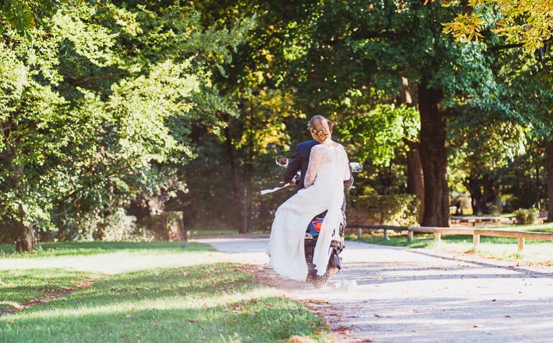 jungundwild-wedding-munich-kuf-vespa-0062