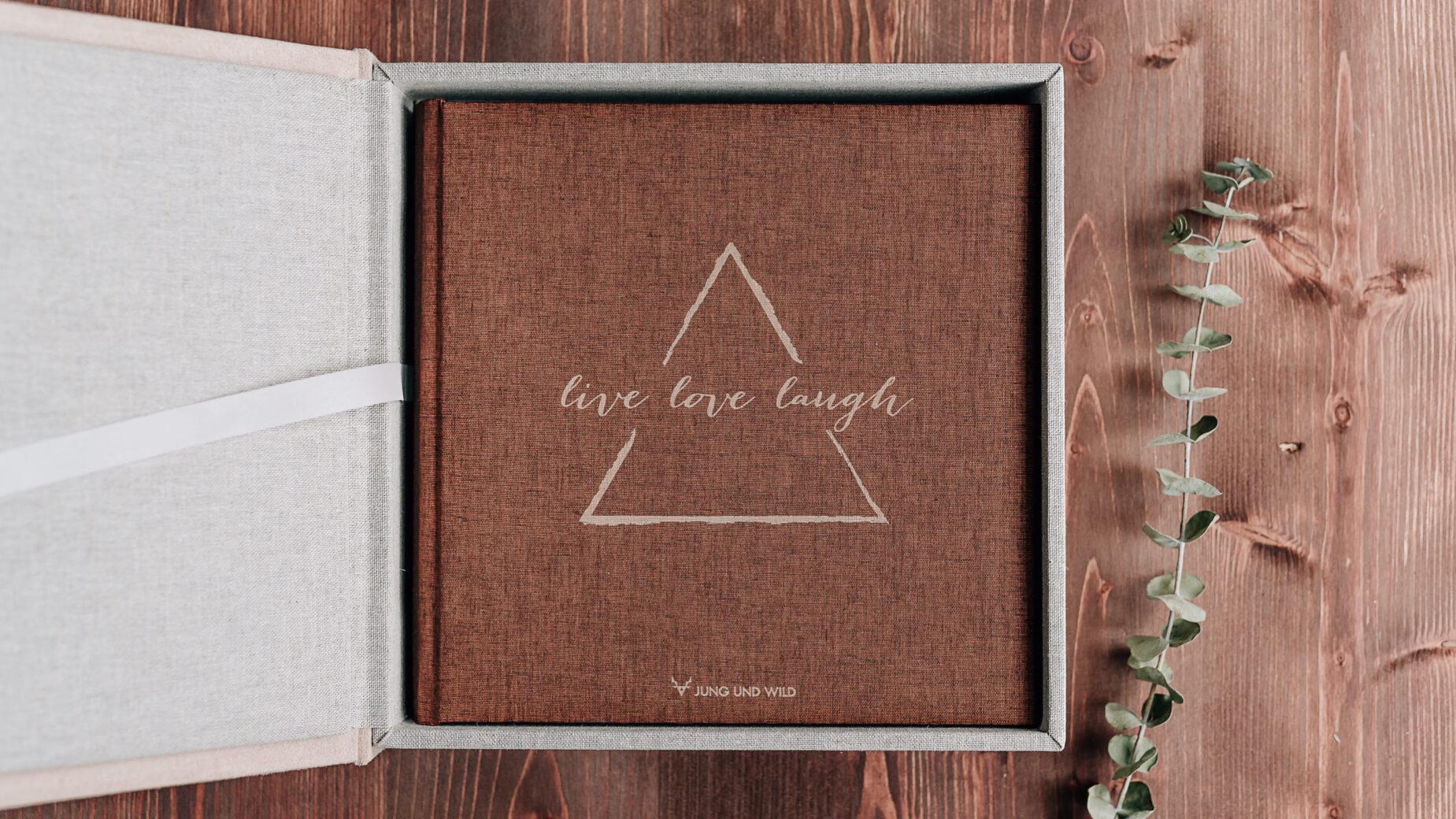 Mica Zeitz Hochzeitsfotografin - hochwertige Printprodukte und Hochzeitsbücher - Hochzeitsalbum mit verschiedenen Covermöglichkeiten